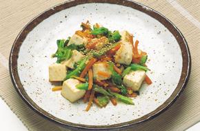 豆腐とキャベツのごま炒め