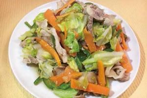 豚肉とたっぷり野菜の塩炒め