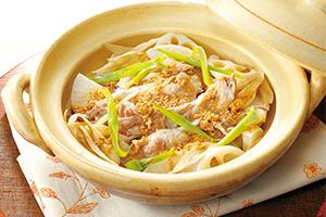 豚肉と根菜の土鍋蒸し